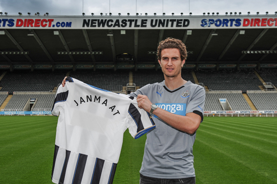 Newcastle Secure Janmaat Signing