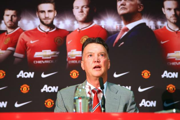 Manchester United Transfer News: Louis van Gaal Wrong to Delay New Signings