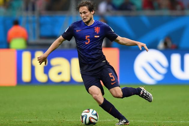 Manchester United Transfer News: Latest on Louis Van Gaal's Netherlands Raid