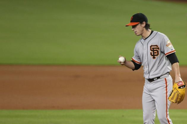 Lincecum, Giants Win Streaks End on Badly Timed Wild Pitch
