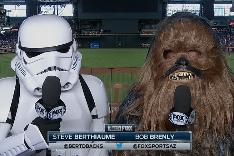 Arizona Diamondbacks Broadcasters Start Telecast in Costume for Star Wars Day