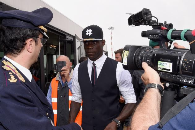 Arsenal Transfer News: Latest on Mario Balotelli, Morgan Schneiderlin, Others