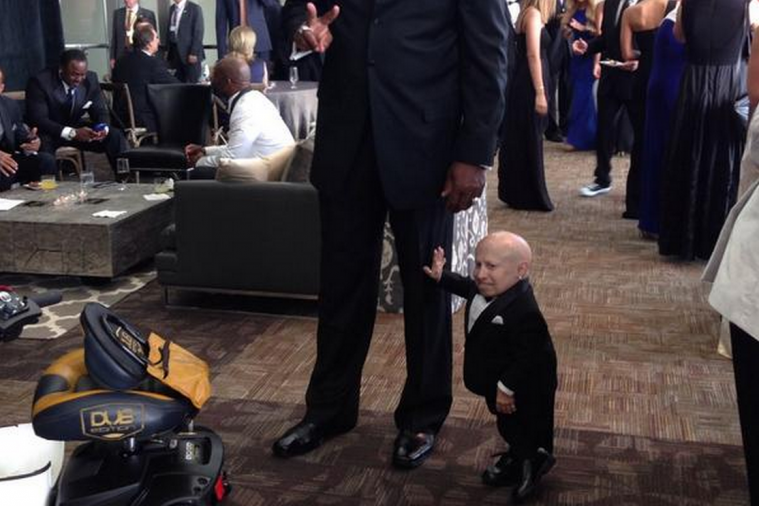 Verne Troyer Looks Rather Mini Standing Next to Ed 'Too Tall' Jones
