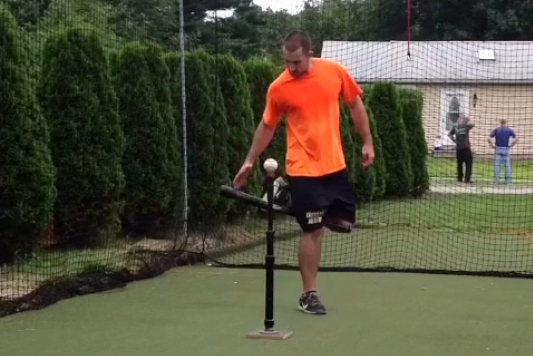 Vine User's Impressive Tricks Show Incredible Mastery of a Bat