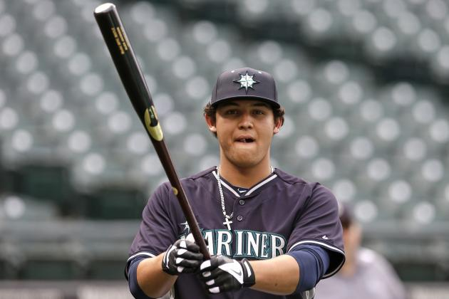 M's First-Rounder Jackson Takes Liner to Face