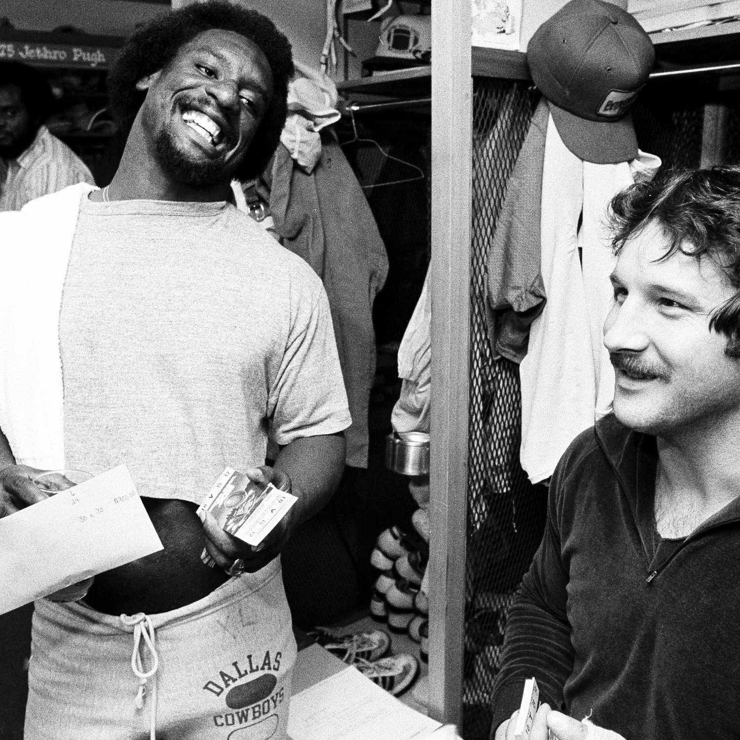 Former cowboys rb robert newhouse passes away at 64 for Www newhouse com