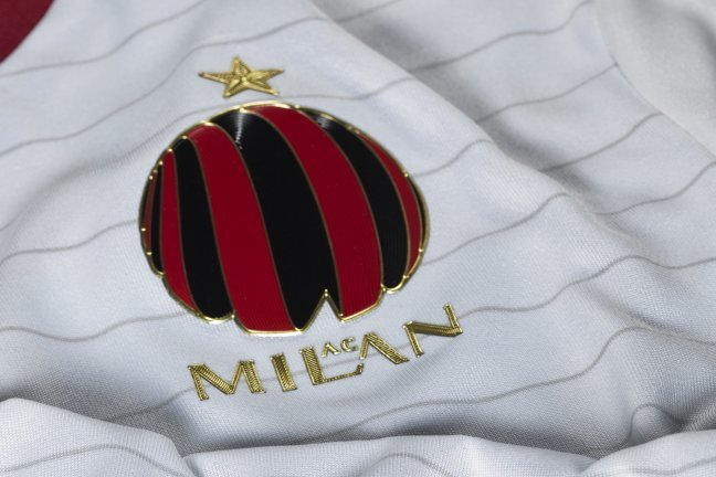 AC Milan, Adidas Reveal New Away Kit for 2014/15 with Special Revised Crest
