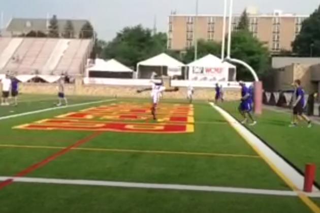 Sammy Watkins Stumbles, Makes Absurd 1-Handed Catch at Bills Training Camp