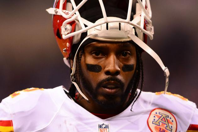 Chiefs Receiver Dwayne Bowe Has Injury Scare in Practice