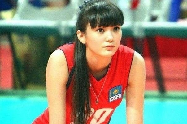 Volleyball Player's Team and Coach Claim She's Too Attractive, Distracts Fans