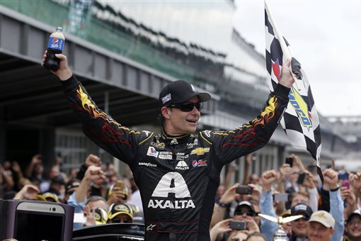 Jeff Gordon Drives to Record-Setting 5th Win at Brickyard 400
