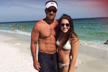 Larry Fedora Shows off Six-Pack Abs