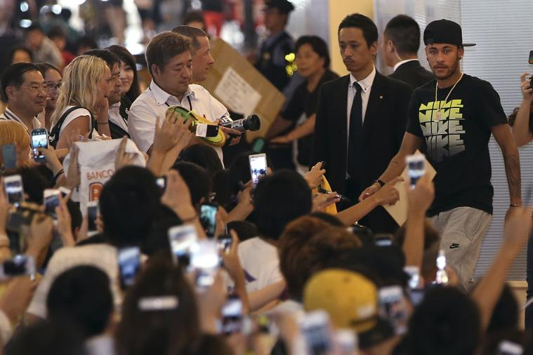 Neymar Wears a Kimono as Neymar Mania Takes over Japan