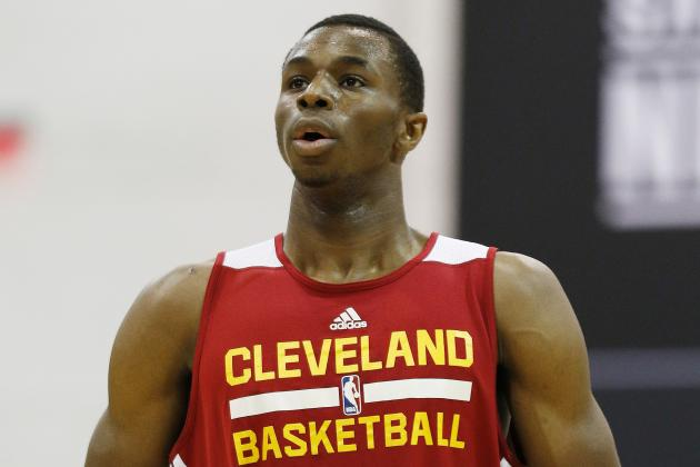 Would Minnesota Timberwolves Be Better off with Andrew Wiggins or Klay Thompson?