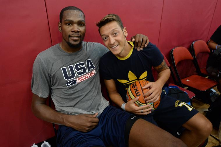 Mesut Ozil Has Been Hanging with USA Basketball Stars Kevin Durant, Derrick Rose