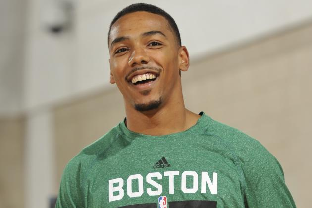 Video: Phil Pressey Talks Team Chemistry, Learning from Rajon Rondo...