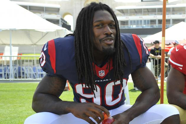 Clowney (Leg) Leaves Practice Field on Cart