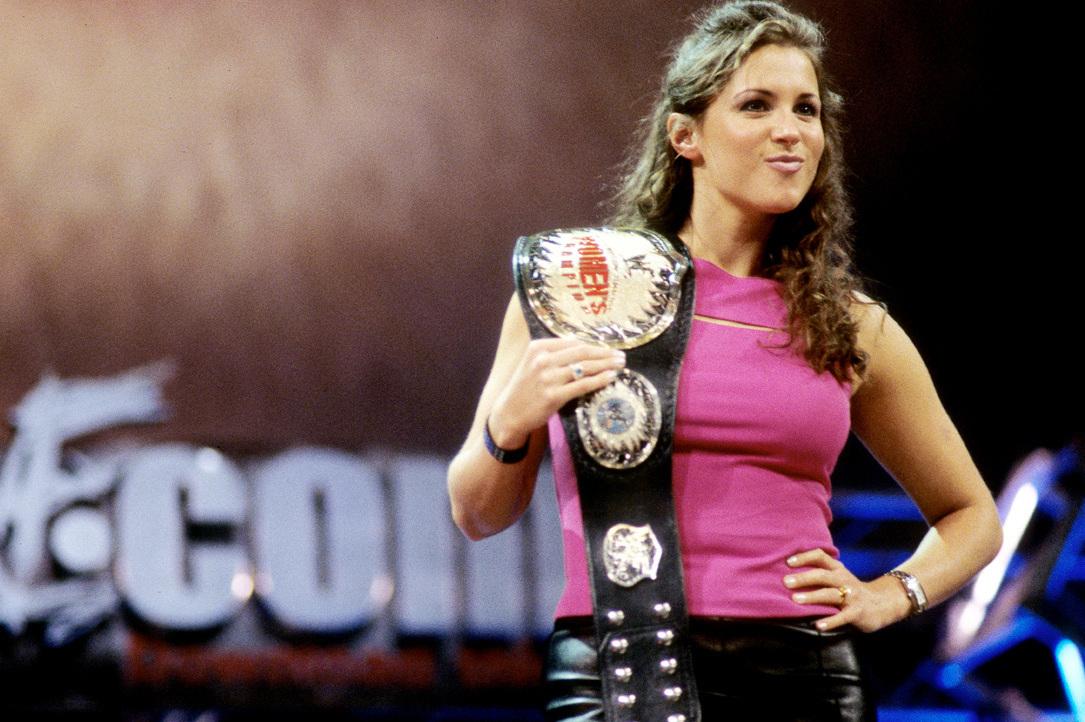 The most dramatic divas in wwe 39 s attitude era bleacher for Diva 2000