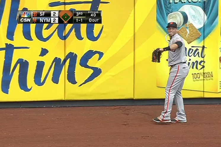Giants' Juan Perez Yanks Sunglasses off His Hat While Making Running Catch