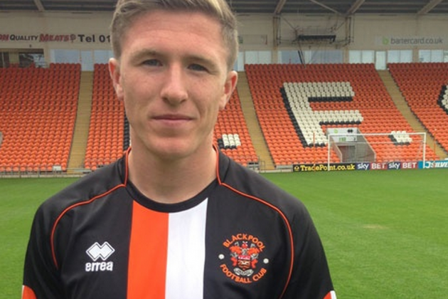 Lundstram Loaned to Blackpool