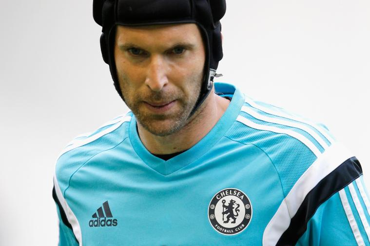 Chelsea Goalkeeper Petr Cech Corrects Sky Sports on His Goalkeeping Record