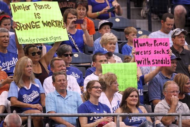 Hunter Pence's Response to Hecklers' Signs Shows Giants All-Star Is a Good Sport