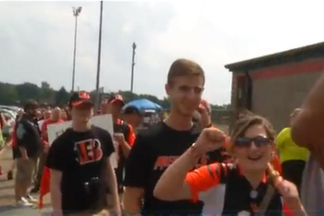 Fans Flock to Bengals Practice in West Carrollton