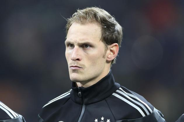 Arsenal Transfer News: William Carvalho and Benedikt Howedes Top Wanted List