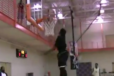 Green Bay's Keifer Sykes Throws Down a Windmill