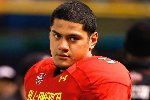 Notre Dame TE Tyler Luatua Is College Football's Most Versatile 270-lb Freshman
