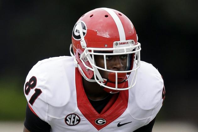 Finger Injury Leaves Georgia WR Reggie Davis in a Cast