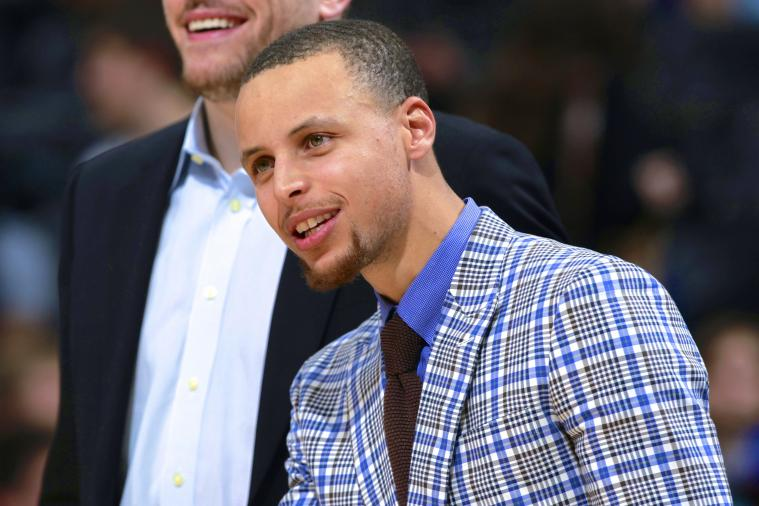 Stephen Curry Gets Carded for Beer at Restaurant, Waitress Doesn't Know Him