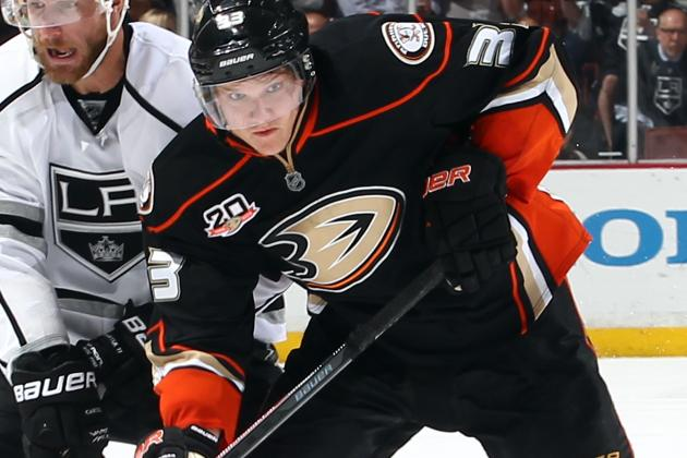 Jakob Silfverberg of the Anaheim Ducks signed a one-year contract Friday