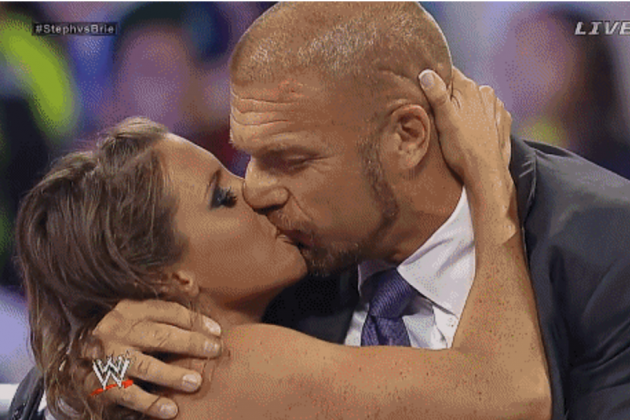 Triple H and Stephanie McMahon Kissed FOREVER