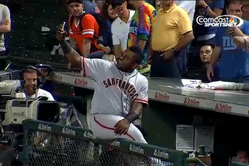Giants Sandoval Takes Selfies with Fans' Phones During Delay