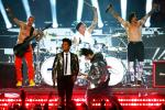 Report: NFL Wants Super Bowl Halftime Acts to Pay the League