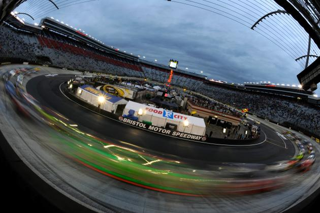 Why the Bristol Night Race Is One of the Best in the NASCAR Sprint Cup Series