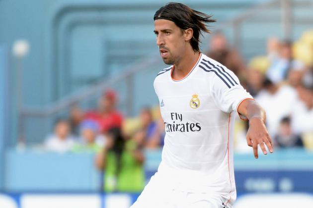 Arsenal Transfer News: Sami Khedira Deal Revived, Edinson Cavani Ruled out