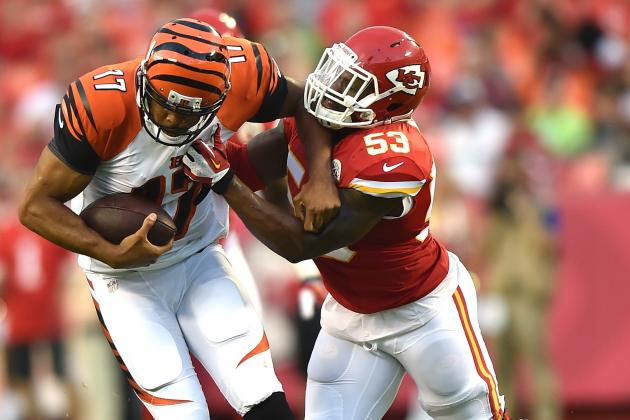 ILB Joe Mays Tore Tendons in Wrist; Could Be 'Out a While'