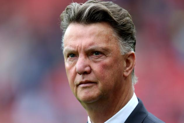 Louis Van Gaal's Vidal Hint No Coincidence with Man United in Need of Midfielder