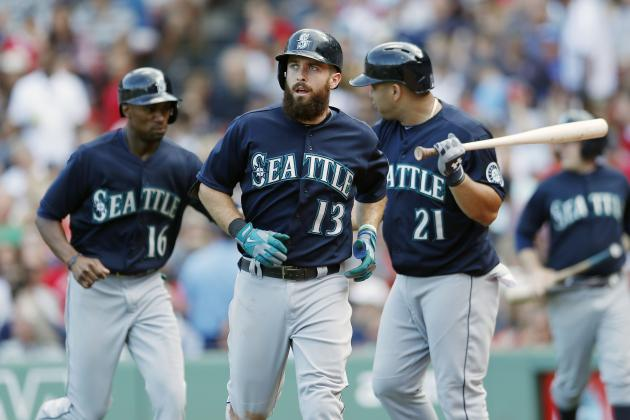 Mariners Sweep Red Sox at Fenway Park for 1st Time