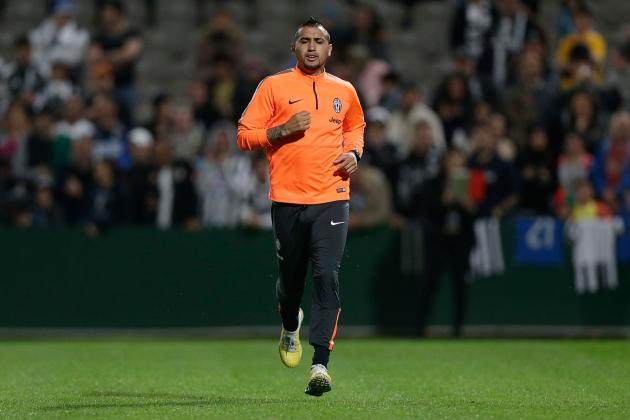 Manchester United Transfer News: Latest on Arturo Vidal and Daley Blind Pursuits