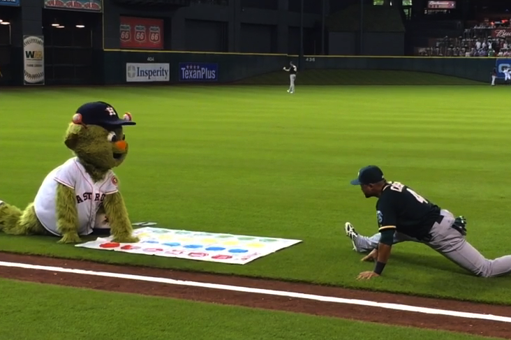Astros Mascot Orbit Unsuccessfully Tries to Get A's Players to Play Twister