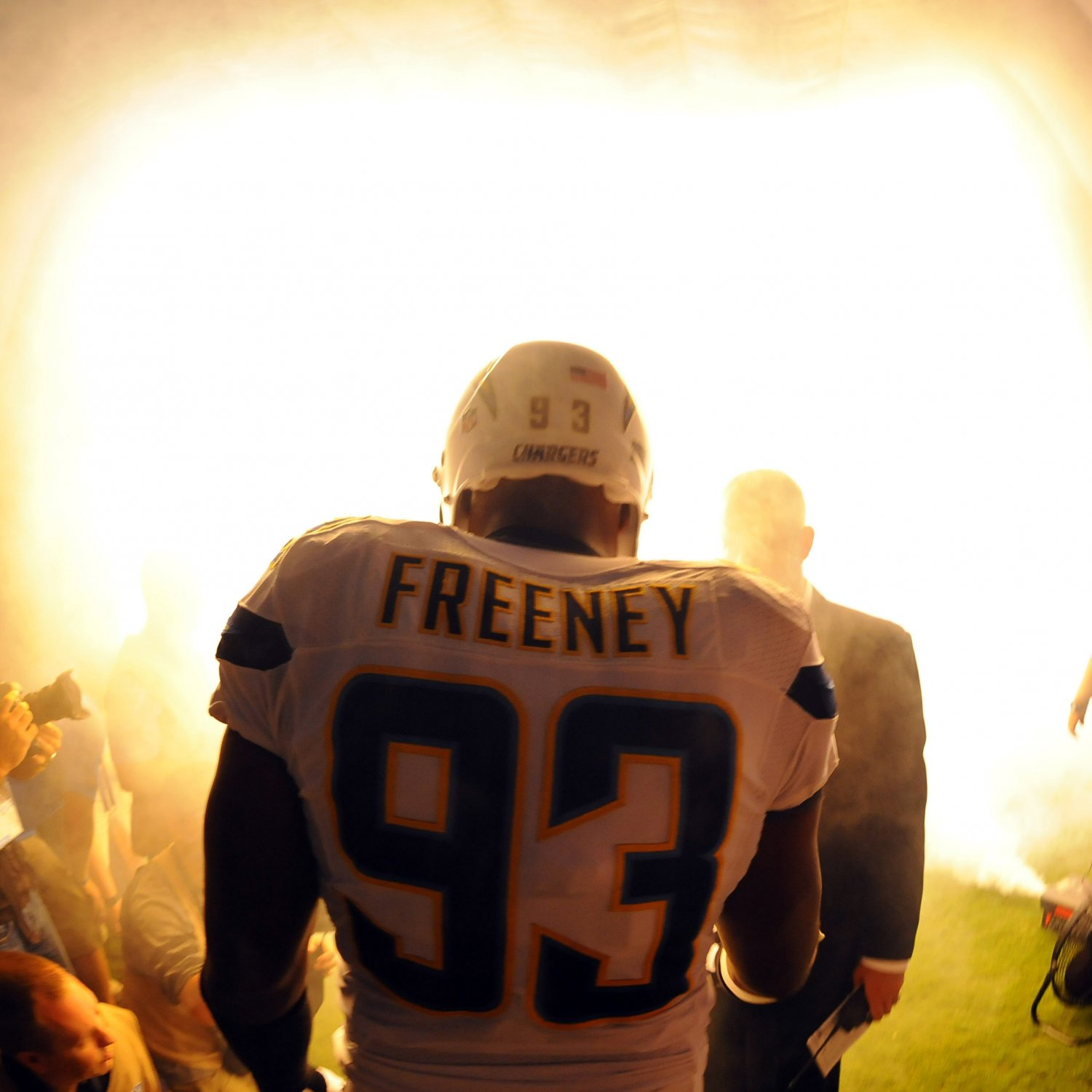 San Diego Chargers Broadcast: Dwight Freeney In Good Spot To Prove 'Haters' Wrong, Lead
