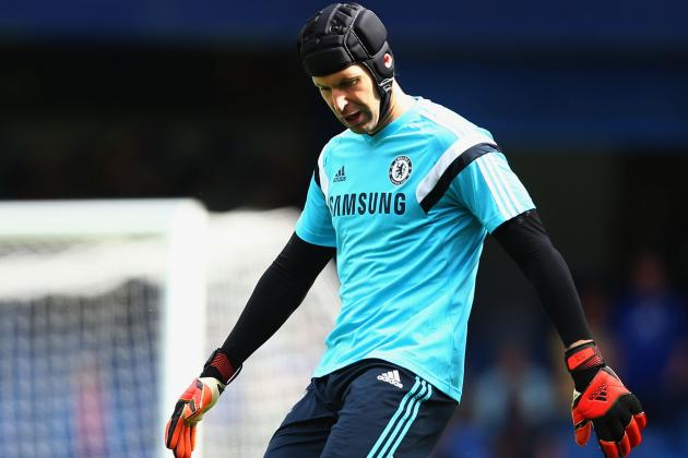 Chelsea Transfer News: Latest on Petr Cech Amid QPR and PSG Deadline Day Rumours