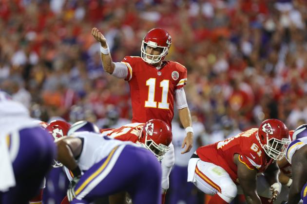 Chiefs' Alex Smith Takes Good-Natured Ribbing from Teammates for New Deal