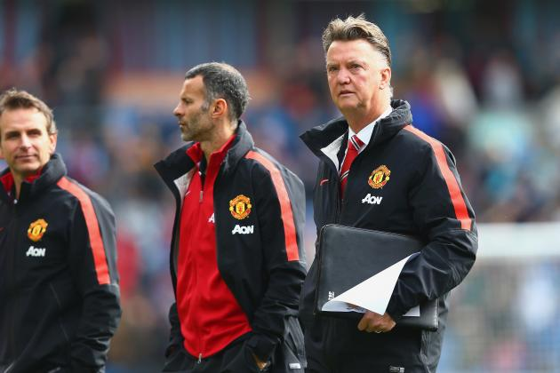 Manchester United Angry over Criticism of Louis van Gaal for Danny Welbeck Sale