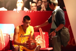 Jeremy Lin Pranks Fans at Wax Museum