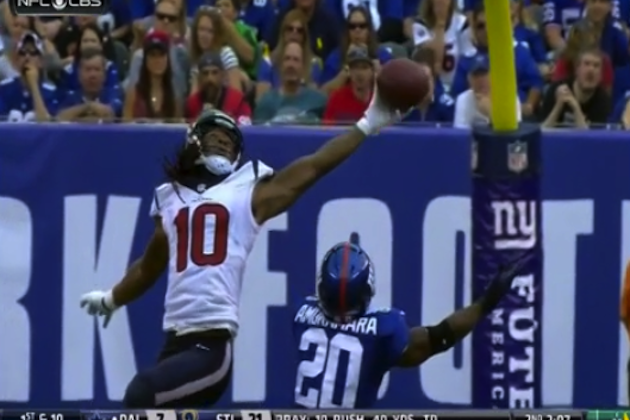Texans' DeAndre Hopkins Makes Great 1-Handed Catch Against Giants