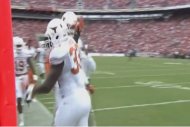 Texas LB Steve Edmond Fails on High-5, Smacks Team…